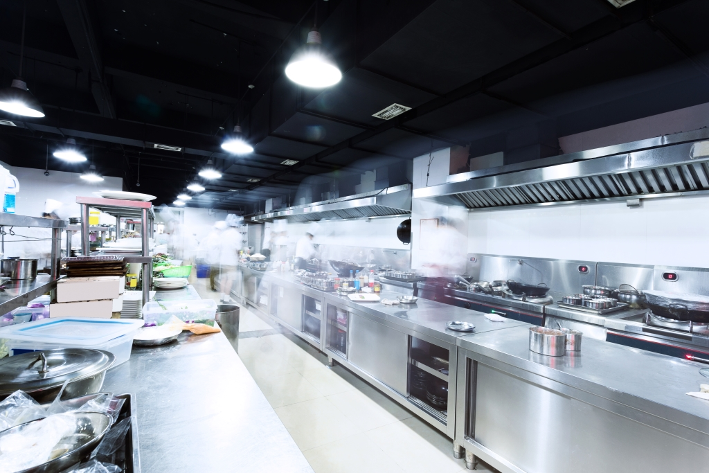 Cucina con impianto di aspirazione centrale