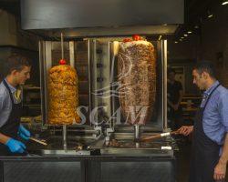 Cucina a vista kebab con aspirazione
