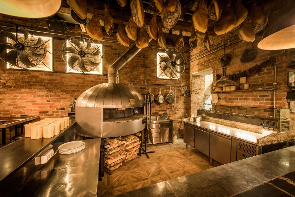 Pizzeria con cucina a vista