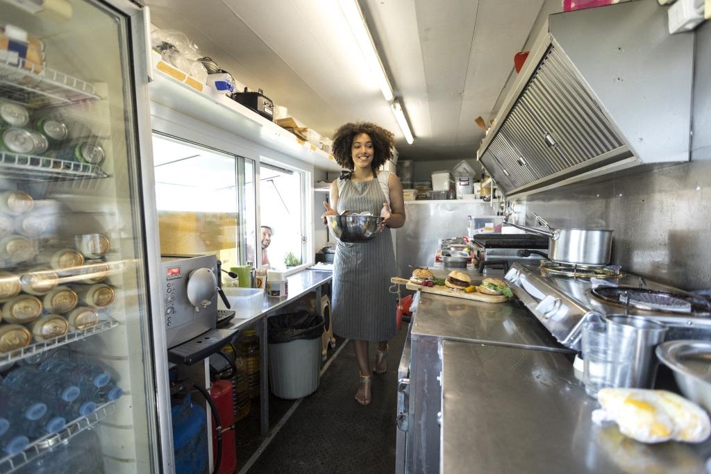 Impianto di aspirazione su cucina mobile